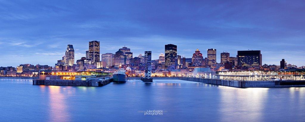 Heure bleue sur les quais de Montréal