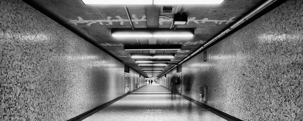 Couloir du métro à Montréal